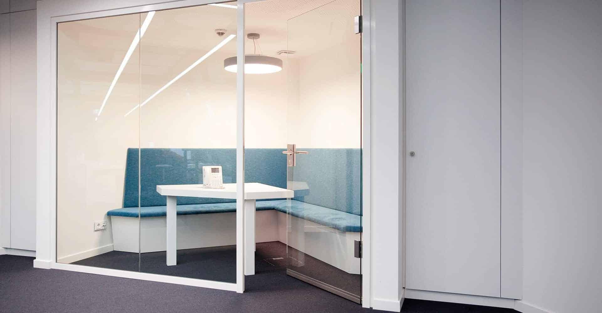 HEADQUARTER MEDNEO GMBH BERLIN | PLANUNG HEADQUARTER | Für den Neubau des Headquarters von medneo wurde von uns das Konzept für die gesamte Büroeinheit auf über zwei Etagen entwickelt.