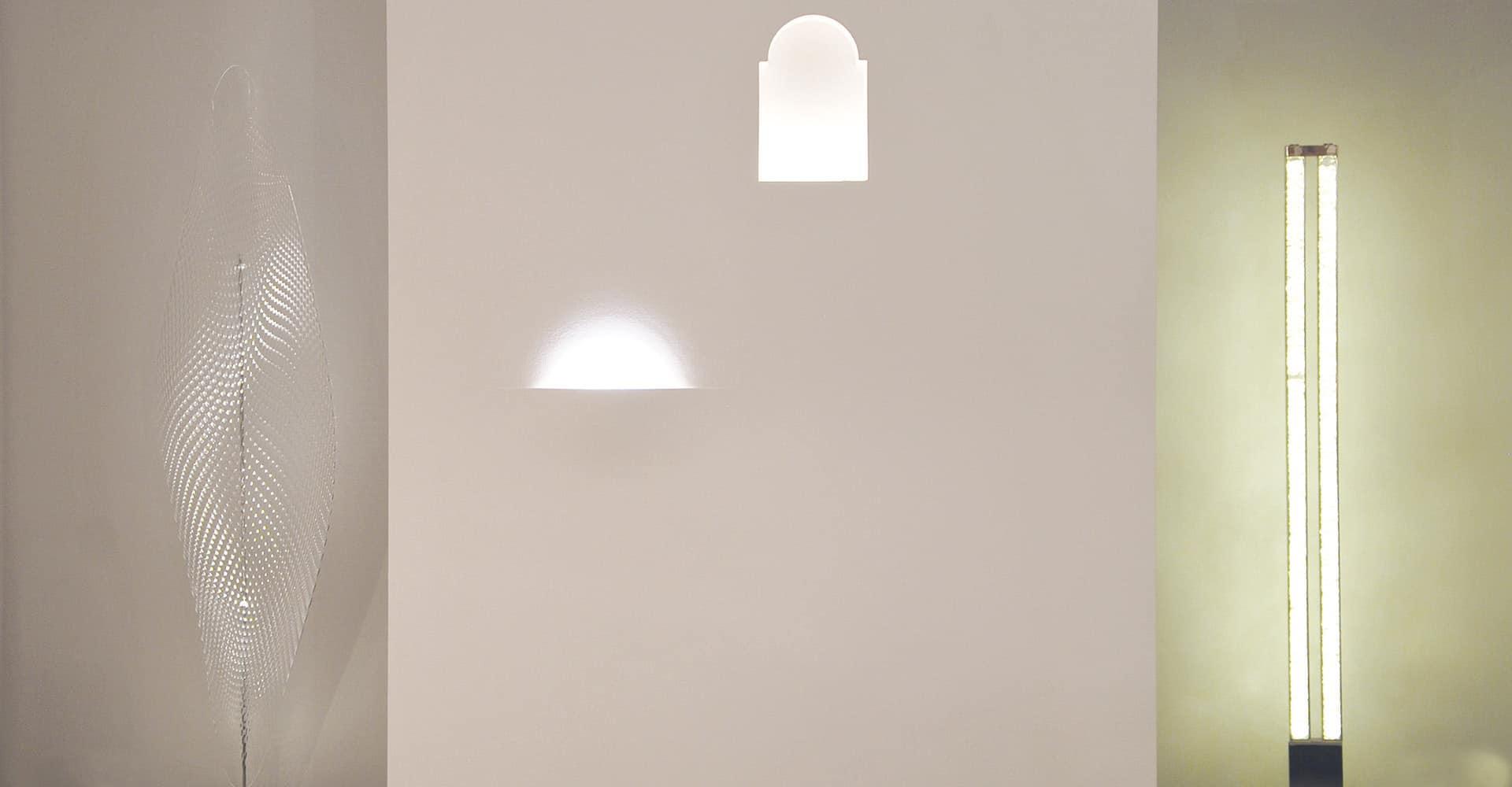 LICHTKULTUR GMBH | LADENBAU FÜR LEUCHTENGESCHÄFT | Innenarchitektur und Innenausbau aus einer Hand: Neben der Konzeptentwicklung, Grundrissplanung, Projektsteuerung und -planung erstellten wir 3D-Visualisierungen sowie die Elektro- und Sanitärplanung der neuen Ausstellungsräume des Leuchtenausstatters Lichtkultur.