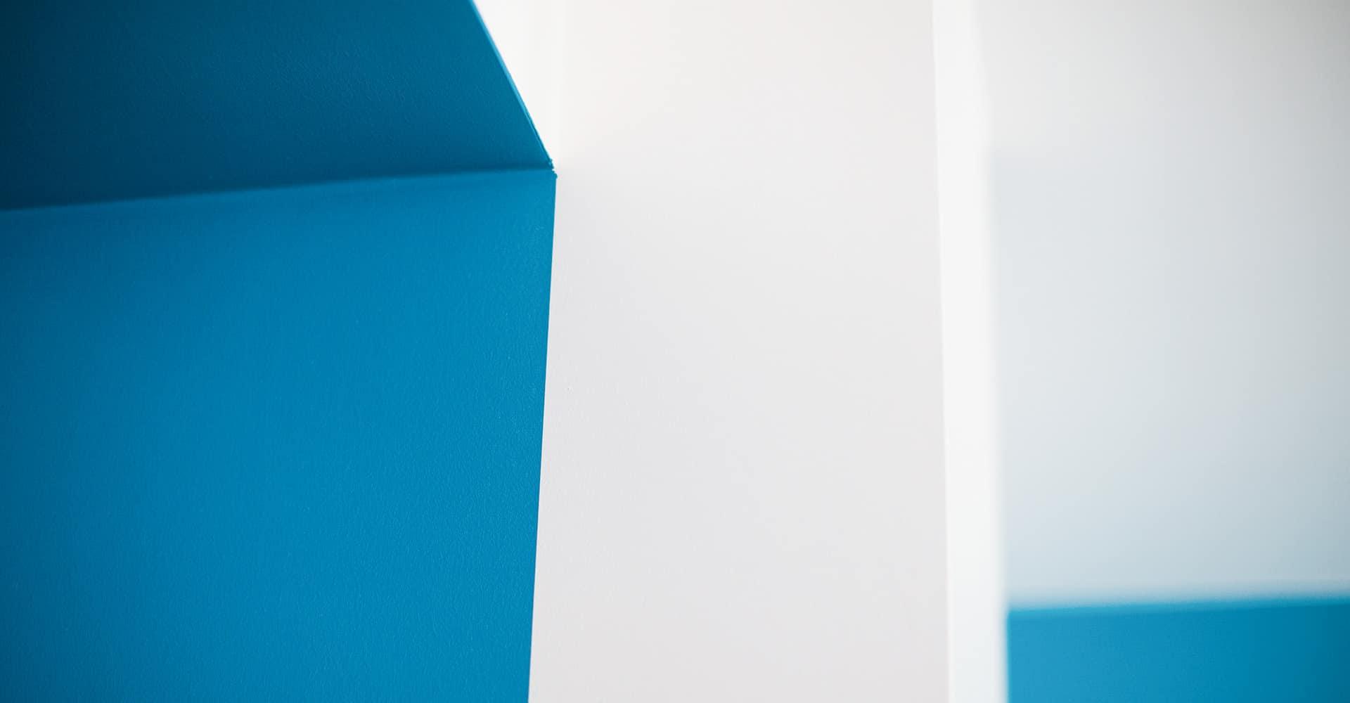 POLIKLINIK POTSDAM   INNENAUSBAU ERNST VON BERGMANN POLIKLINIK   Die im Haupthaus der Ernst von Bergmann Poliklinik befindlichen Abteilungen Radiologie / Chirurgie sollten eine funktionale Einheit mit dem angrenzenden Neubau der Radiologie auf dem Gelände des Klinikums bilden. Dabei sollte sich auch das Corporate Design gebäudeübergreifend fortsetzen,damit der Patient sich gut orientieren kann.