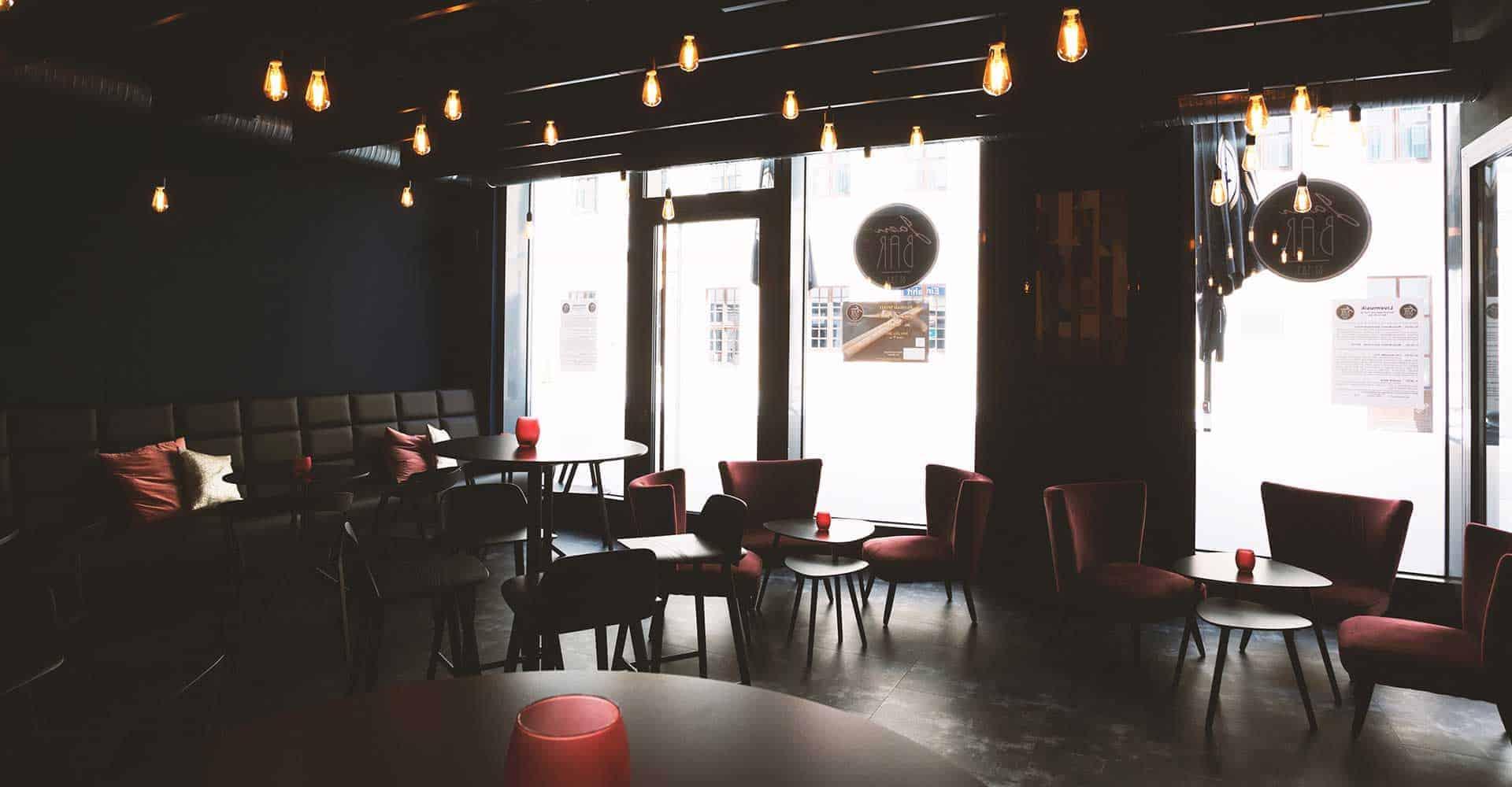 JAM BAR BY S.K.Y., Dresden, Getraenke, Live, Musik, Gastronomie, Bestuhlung, 140 qm, Raumkonzept, Architektur, GU-Leistung, Marketing, Ladenbau, Buehne, Innenausbau