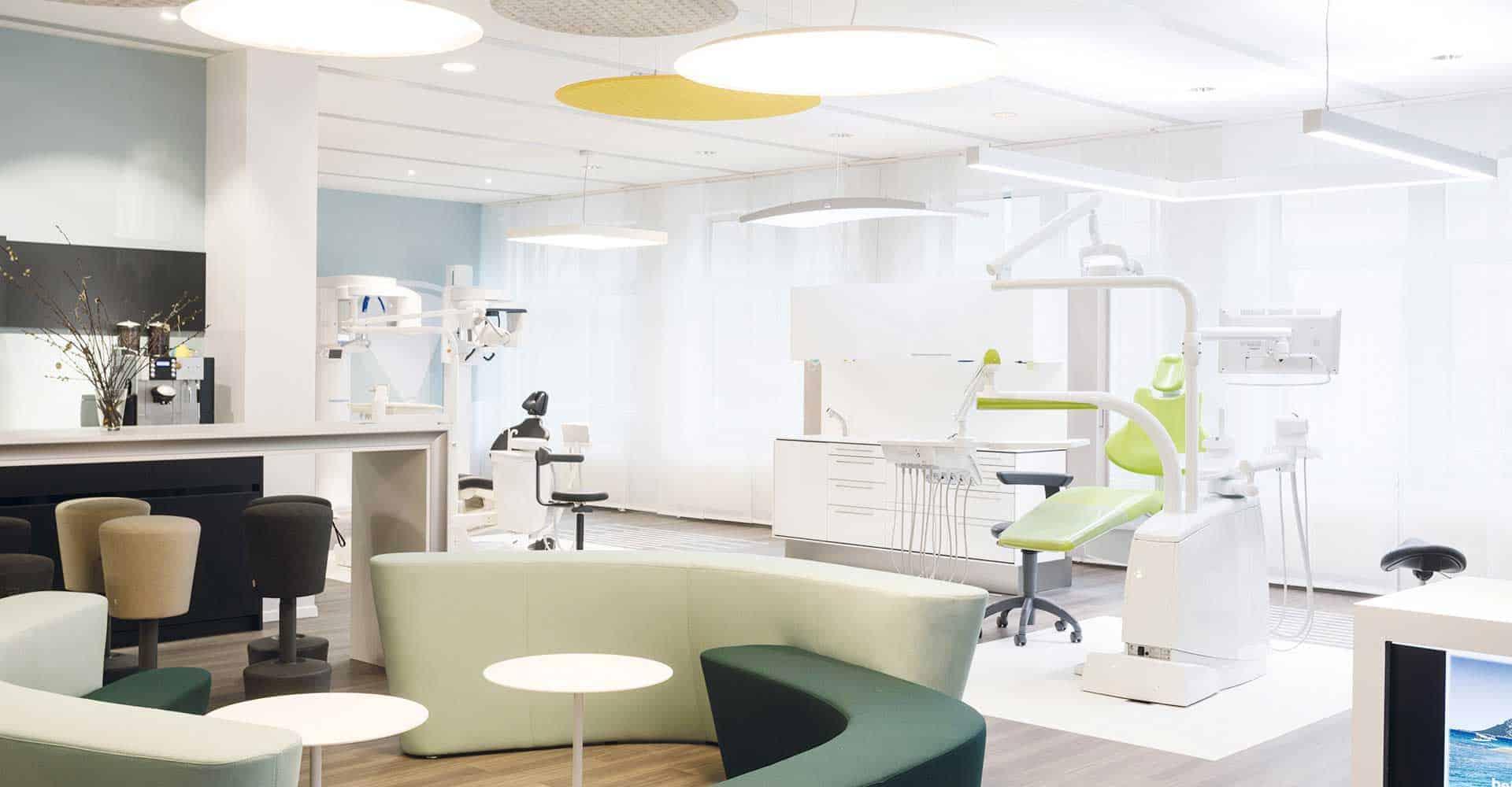 GERL. Dental, Showroom, Umgestaltung, Ladenbau, Dresden, Zahnaerzte, Zaehne, Aerzte, Smilewand, Architektur, Maler, Boden, Marketing, Besprechungsraum, Innenausbau, 200 qm