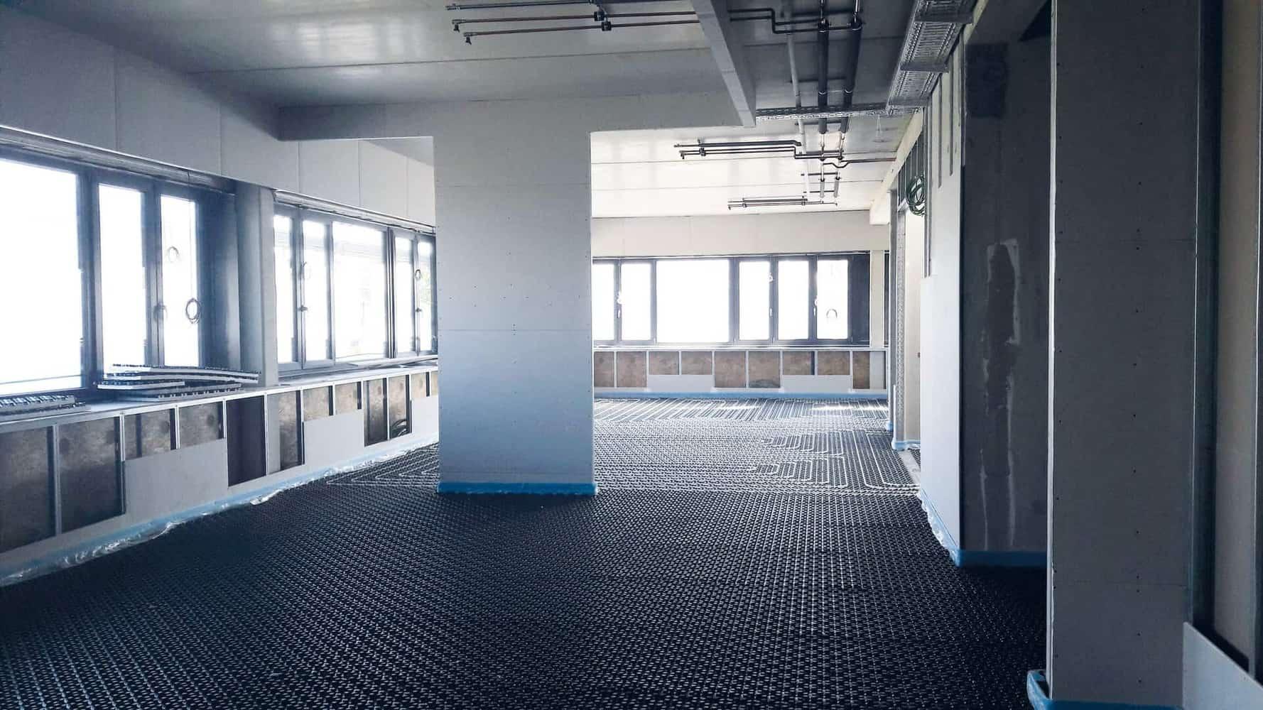 Eberhard Rink Sanitär · Heizung · Elektro GmbH & Co.KG – außen und innen schreiten die Arbeiten voran und auf der Baustelle wird fleißig gewerkelt!