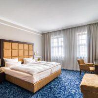 hotel suitess, dresden, an der frauenkirche, hotelzimmer, luxushotel, bad, stuckelemente, teppichboden, handwerk, haustechnik, maler, boden, hls