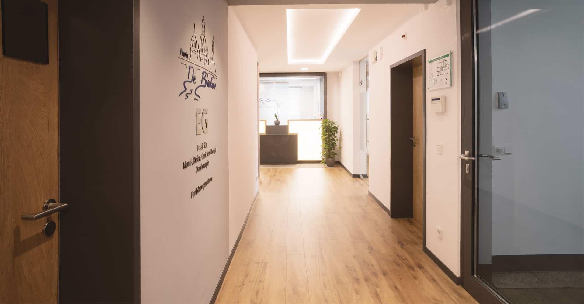 Zahnarztpraxis Brückner Dresden Eingangsbereich