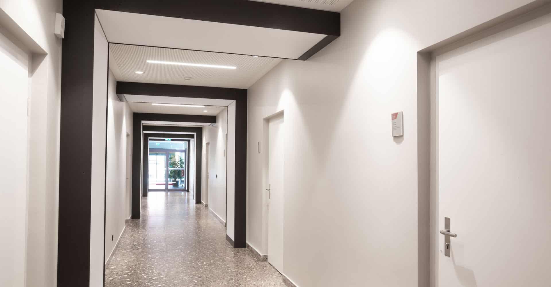 EWG Dresden Büro Flur Lichtkästen